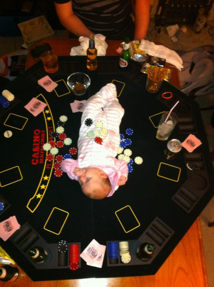 IRTI - funny picture #2078 - tags: poker baby babby table