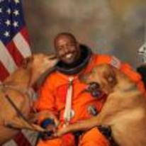 Radnom funny picture tags: astronaut dogs licking face NASA