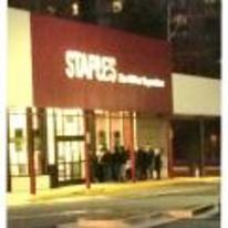 Radnom funny picture tags: black-twitter when-the-new-calculator-drops queue line-outside staples