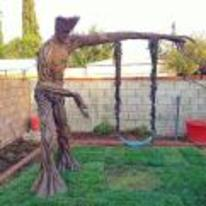 Radnom funny picture tags: guardians-of-the-galaxy tree-swing swing garden groot