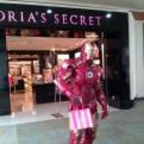 Radnom funny picture tags: iron-man shopping victorias-secret bag mall