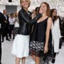 Radnom funny picture tags: jennifer-lawrence hand-in-face emma-watson face push