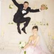 Radnom funny picture tags: justin-timberlake wedding photo Jessica-Biel jumping