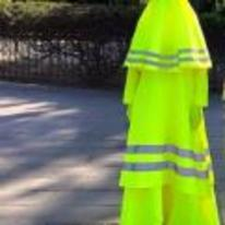 Radnom funny picture tags: night-time-safety burka night trafic-lady stay-safe
