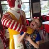 Currently trending funny picture tags: ronald-mcdonald strangling kid statue mcdonalds