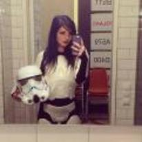 Radnom funny picture tags: star-wars hot-girl-stormtrooper a-little-to-hot-to-be-a-stormtrooper selfie emo