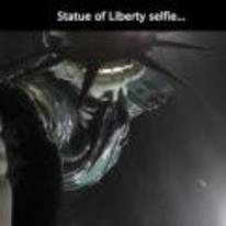 Radnom funny picture tags: statue-of-liberty selfie picture herself self