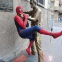 Radnom funny picture tags: statue strangle spiderman random throtle