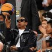 Radnom funny picture tags: weird jay-z face spinning basketball