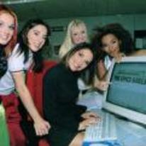 Radnom funny picture tags: yospos spice-girls using-computer old-PC internet
